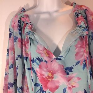 Forever 21 Ruffled Collar/Bow Sleeve Floral Top